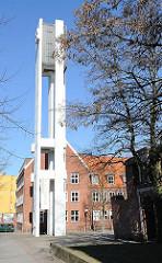 Hamburg Harburg Dreifaltigkeitskirche; 1944 Kriegszerstörung - Neubau 1966, Architekten Ingeborg und Friedrich Spengelin.