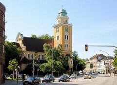 Neobarocke St. Franz Joseph Kirche - Hauptstrasse Hamburg Wilstorf, Strassenverkehr - Fotos aus dem Hamburger Stadtteil