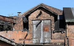 Historische Gewerbegebäude - verlassene Immobilien - Lagerboden am Billbrookdeich.
