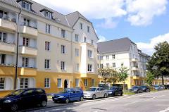 Modernisierte Wohnblocks in Hamburg Hamm - farbige Fassade.