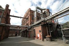 historische Industriegebäude der Harburger New-York Hamburger Gummi-Waaren Compagnie Aktiengesellschaft. Ziegelarchitektur - Industriegeschichte Hamburg und Harburgs.