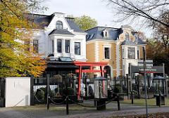 Hamburg-Bilder aus den Stadtteilen - Stadtvillen am Mittelweg in Hamburg Harvestehude.