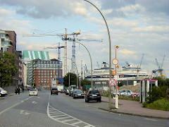 Blick in die Grosse Elbstrasse - Baugrundstücke am Elbufer Altonas - Bilder aus den Stadtteilen Hamburgs.