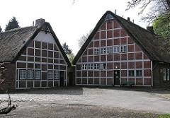 Reetdachhäuser, Fachwerkhäuser an der Tangstedter Landstrasse -