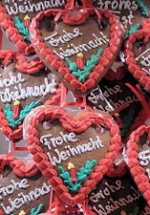 Lebkuchenherzen mit Aufschrift Frohe Weihnacht - Hamburger WEihnachstmärkt - Weihnachtsmarkt Fleetinsel Hamburg Neustadt.