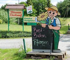 Blumenverkauf vom Erzeuger - Hinweisschild für Beet- und Balkonpflanen.