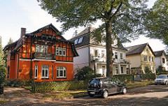 Einzelhäuser und Vorstadtvillen im Fuhlsbuettler Doverkamp.
