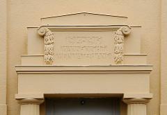 ehemaliges Lyceum - Gross Flottbek - Wanke nicht mein Vaterland - Inschrift.