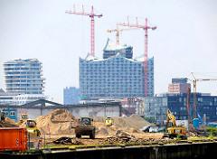 Baustelle am Petersenkai / Baakenhafen - Gebäude der Hamburger Hafencity.