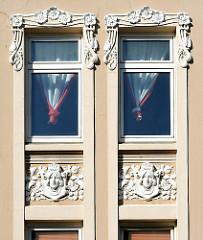 Jugendstil Dekor Fenster Wohnhaus Marienstrasse HH-Harburg.