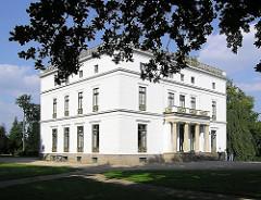 Jenischhaus im Othmarschener Jenischpark. Architekten Forsmann und Schinkel - Baujahr 1834.