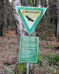 Schild Naturschutzgebiet in Hamburg Hausbruch - Naturschutzgebiet Fischbeker Heide.