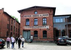 Industriearchitektur - Ziegelgebäude aus dem 19. Jahrhundert - Gewerbehof; Königliches Proviantamt in Hamburg Bahrenfeld.