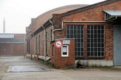 Stillgelegte Betriebsgebäude / Lagergebäude - Hansenspeicher im Harburger Binnenhafen. (2009)