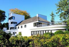 Hamburger Architektur - Landhaus Michaelsen in Hamburg Blankesese, erbaut 1925 - Architekt Karl Schneider.