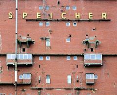Fassade des Rethe Speichers in Hamburg Wilhelmsburg - historische Architektur in den Hamburger Stadtteilen.