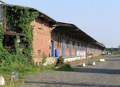 Alte Lagerschuppen des ehemaligen Hauptgüterbahnhof am Oberhafen - Areal im Stadtteil Hafencity (2004)
