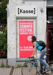 Kasse auf Kampnagel - Werbung fürs Sommerfestival.