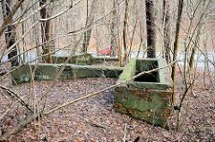 Fundament der Kohlewäscherei vom Bergwerk Hausbruck / Bergwerk Robertshall  in den Harburger Bergen - Förderung von Braunkohle für die Harburger Phoenix-Werke von  1919 - 1922.