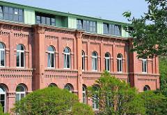 Hamburger Industriearchitektur - Verwaltungsgebäude der ehem. Bahrenfelder Gaswerke in Hamburg Altona.