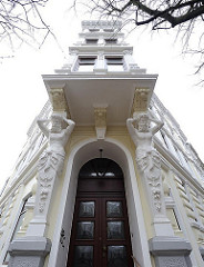 Historismus, Architektur - Hauseingang, Atlantenstützen Erker.