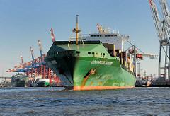 Containerfrachter CSAV Rio De Janeiro - das Containerschiff hat eine Länge von 294m und kann 5294 TEU Container transportieren.