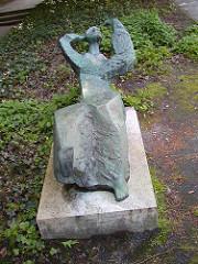 Bronzeskulptur Bezirksamt Hamburg Nord Kümmellstrasse - Bildhauer Martin Ruwoldt.