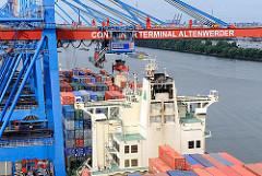 Containerschiff Liegeplatz Terminal Hamburg Altenwerder.
