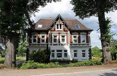Wohngebäude der Jahrhundertwende zwischen Linden - Deichstrasse Allermöhe