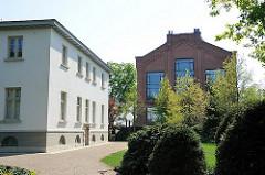 Landhaus Bauer, Verwaltungsgebäude der Hamburger Elbschlossbrauerei; Industriearchitektur.