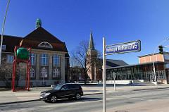 Harburger Rathausplatz / Standesamt, Helmsmuseum, St. Mariakirche.