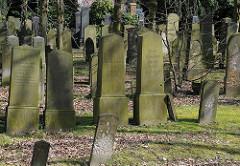 Grabsteine Jüdischer Friedhof Hamburg Bahrenfeld, Bornkampsweg.