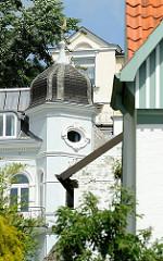 Architektur in Hamburg  - Bilder aus Hamburg Blankenese - Wohnhäuser am Elbhang.