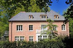 Hamburger Architektur - Fotos aus dem Stadtteil Hamburg Osdorf - Sievekingvilla, erbaut 1928 - Architekt Heinrich Amsinck.