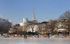 Die zugefrorene Aussenalster im Winter