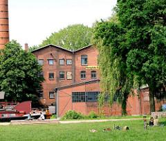 Kulturzentrum Honigfabrik am Veringkanal in Hamburg Wilhelmsburg.