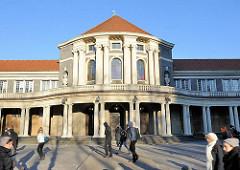Altes Vorlesungsgebäude der 1909 eröffneten Hamburger Universität.