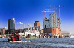 Blick auf die Kehrwiederspitze + Kaiserhöft mit der Baustelle der Hamburger Elbphilharmonie in der Hafencity.