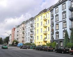 Farbige Wohnblocks - Bunte Etagenhäuser, Gründerzeit in Hamburg Eppendorf, Bezirk Hamburg Nord - Lokstedter Weg.