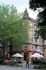 Strassencafe in der Alsterdorfer Strasse - Bilder aus Hamburg Winterhude.