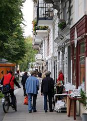 Geschäfte und Passanten im Lehmweg - Fotos aus dem Stadtteil Hoheluft Ost.