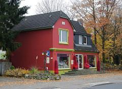 Geschäftshaus / Wohnhaus an der Hummelsbuettler Haupstrasse.