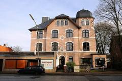 Mehrstöckige Villa - Liebermannstrasse - Wohnen in den Elbvororten - Hamburg Othmarschen.