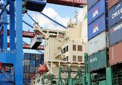 Hafen Hamburg - Containerfrachter Terminal Altenwerder.