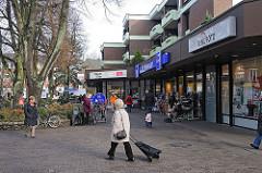 Volksdorfer Platz WEISSE ROSE - Geschäfte.