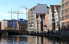 Historische Altstadt Hamburgs - Hohe Bruecke - Nikolaifleet historische Hamburger Architektur Deichstrasse