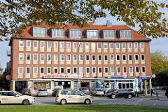Mehrstöckiges Wohnhaus - Nachkriegsarchitektur in Hamburg - Architektur der 1960er Jahre - Fotos aus dem Stadtteil Hamburg Dulsberg.