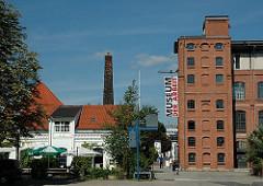 Gebäude Museum der Arbeit, Schornstein und Zinnschmelze - Bilder aus Hamburg Barmbek Nord.