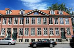 Repräsentative Wohngebäude  - vornehme Reihenhäuser, Backsteinfassade - erbaut 1797, Klopstockstrasse in Hamburg Ottensen.