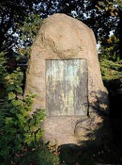 Gedenkstein Peter Theodor Zeise; 1757 - 1812 - Thaten sind Saaten.